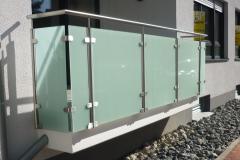 edelstahl-gelaender-balkon-2