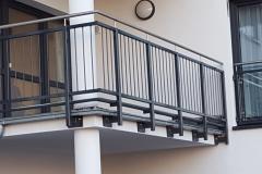 stahlgelaender-balkon